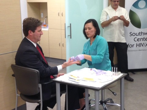 Mayor Stanton gets tested for HIV